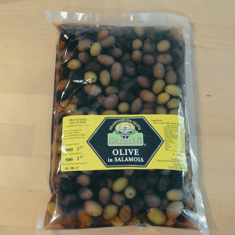 Olives in brine and in oil
